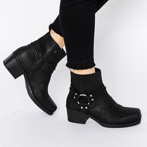 Vagabond Leather Harness Ankle Boots